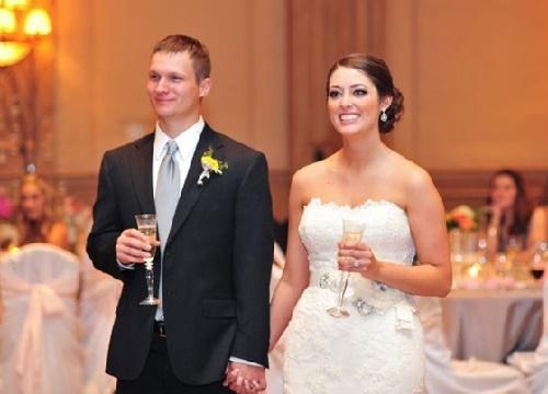 Read more about the article Красивые тосты на свадьбу от молодых