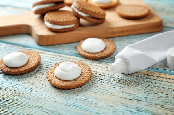 замена крема зубной пастой