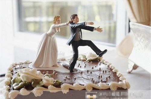 Read more about the article Забавные торты на свадьбу