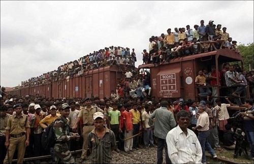Индийские поезда на фото