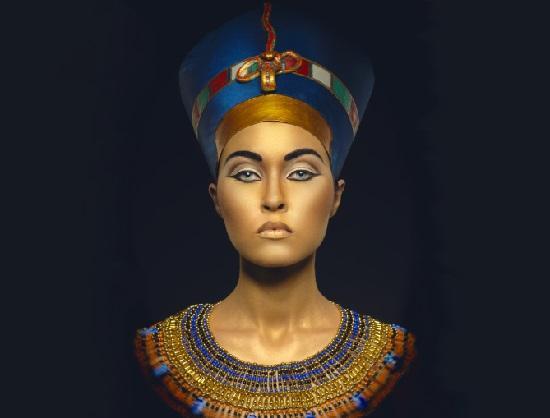 Read more about the article Интересные факты из жизни Клеопатры