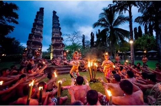 Индонезия праздник Пон