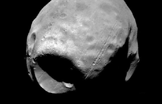 кратер Стикни на Фобосе
