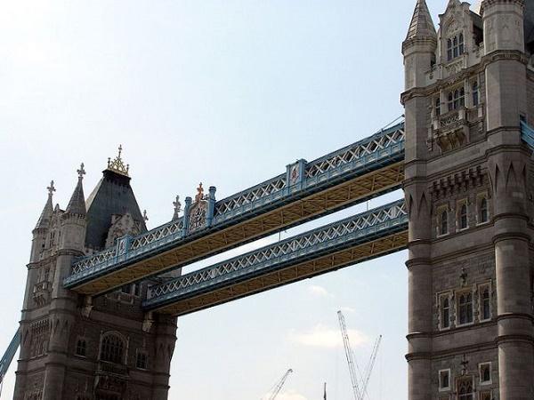 пешеходный уровень тауэрского моста