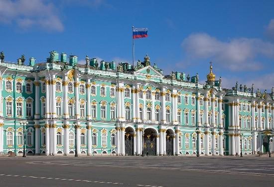 Read more about the article Интересные факты о Зимнем дворце