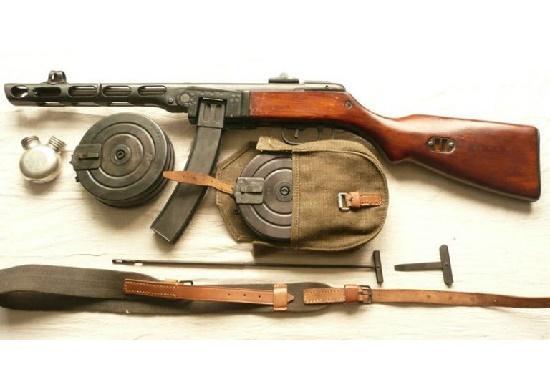 Read more about the article Интересные факты о пистолете-пулемете и его создателе Шпагине