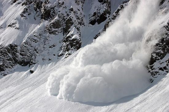 сухая снежная лавина
